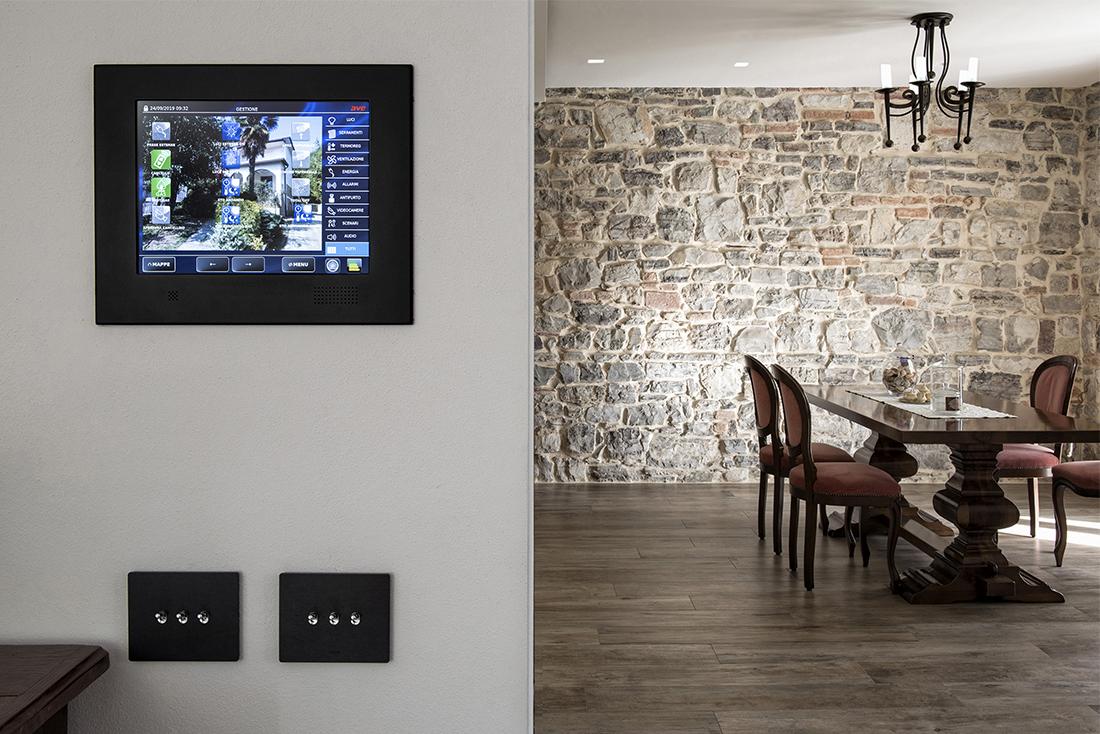 Supervisore Touch Screen DOMINA Smart e comandi a levetta New Style 44 – Concesio (BS)