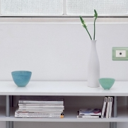 Serie DOMUS con placca TECNOPOLIMERO Giada opalino - Punto luce/Punto presa