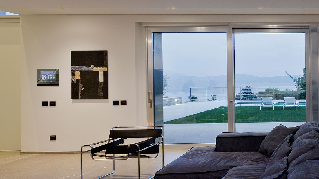 AVE's design and home automation in an elegant villa on Lake Garda