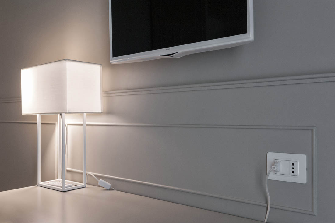 Power outlet minimal white Hotel