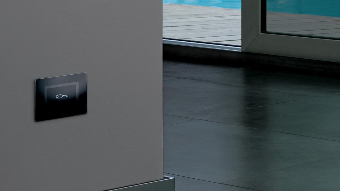 """AVE """"hidden"""" sockets - Glass front plate"""
